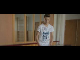 Алексей Воробьев и фрэнды - На стене в твоем подъезде